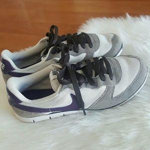 Nike womens eclipse training running sneakers 6M